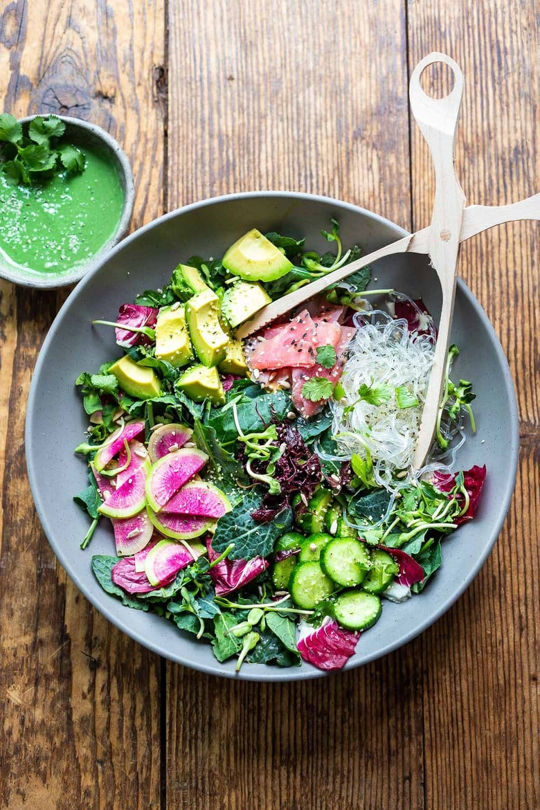 Nutrient-rich Spirulina Sea Salad is pure superfood for the body. This healthy salad is made with dulse, kelp noodles, fresh veggies and Spirulina Dressing, keep it vegan or add ahi or smoked Salmon! #spirulina #dulse #kelpnoodles