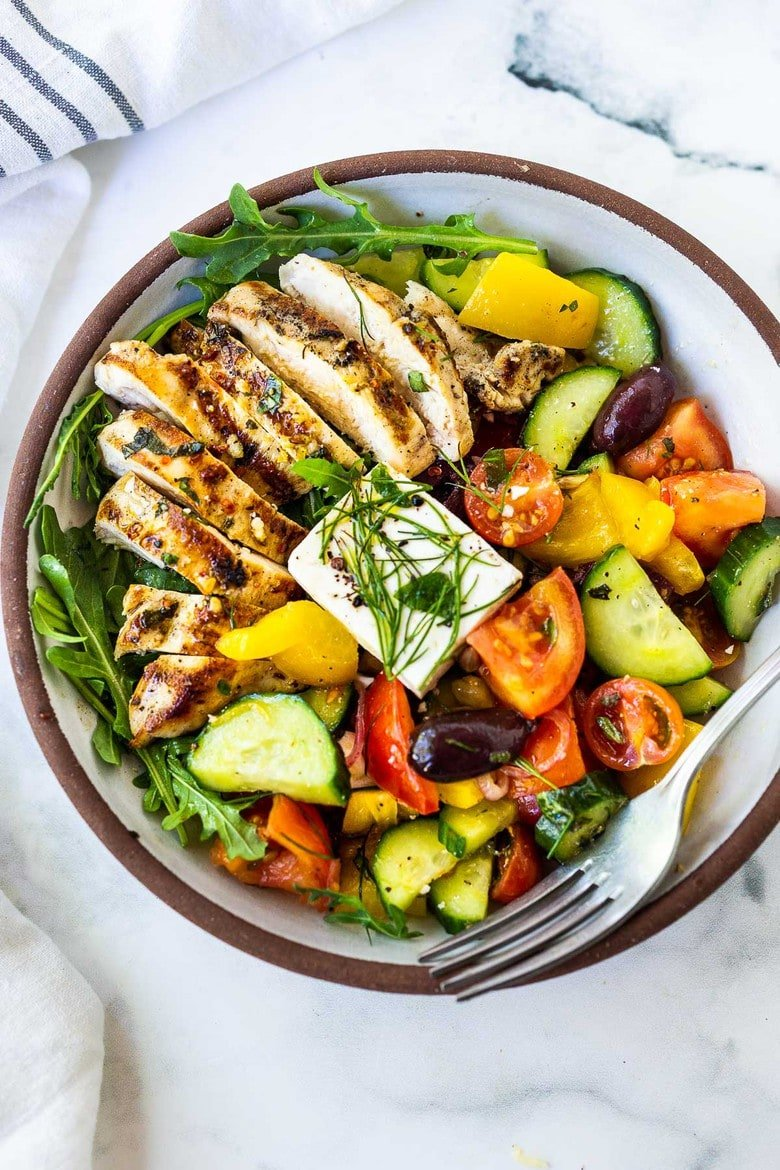 30 Summer Dinner Recipes |This Grilled Chicken Greek Salad is light and healthy and full of so much flavor! The perfect summer dinner!