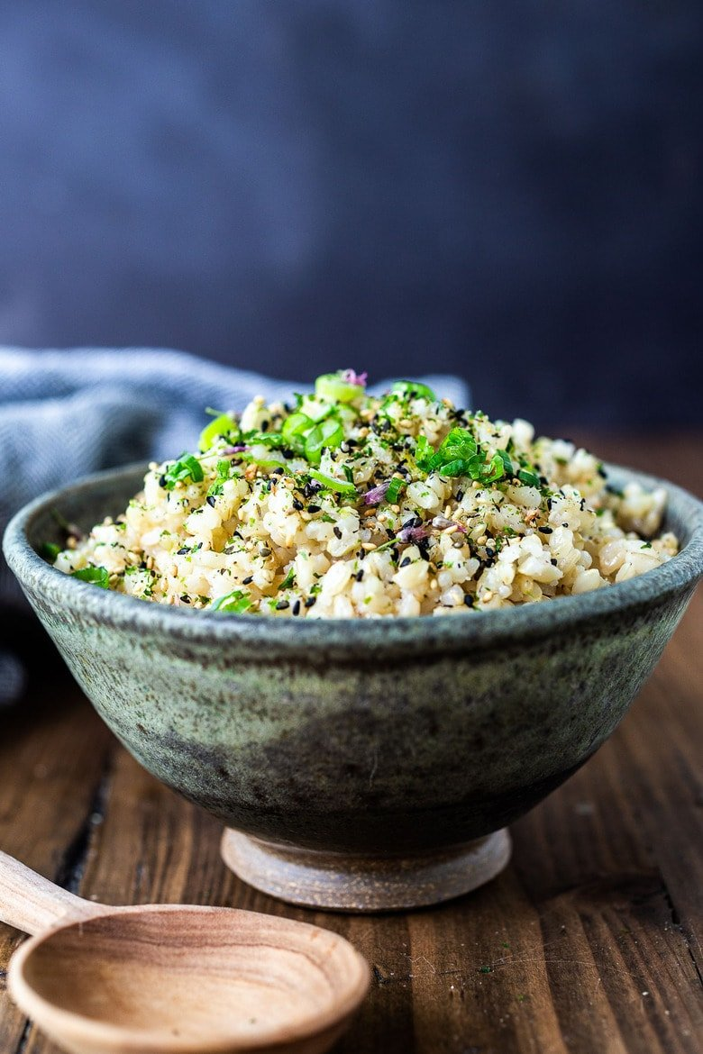 Japanese Ricemade with short-grain brown rice and seasoned withrice vinegar, sesame oil, furikake, and scallions - a simple tasty side dish to serve with fish and meat, or in bowls.